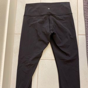 Lululemon wunder under sz 10 Legging